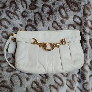 Authentic COACH Corner Zip Leather Wristlet